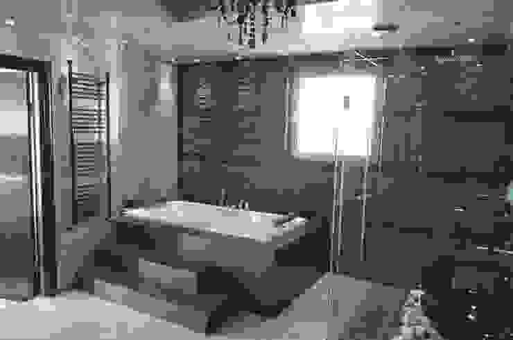 APARTMENT VD SOFIA Modern bathroom by eNArch.info Modern