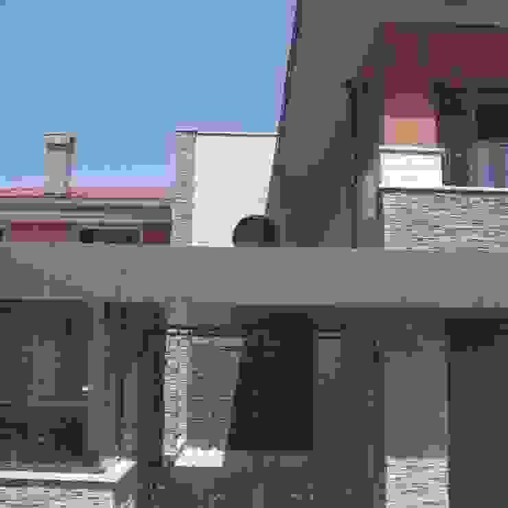House PZ Sofia Modern houses by eNArch.info Modern