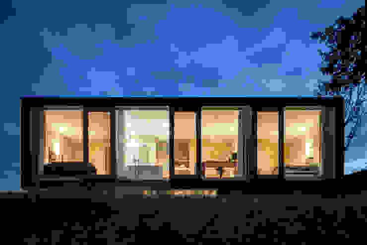 Minimalist house by Architectenbureau Paul de Ruiter Minimalist