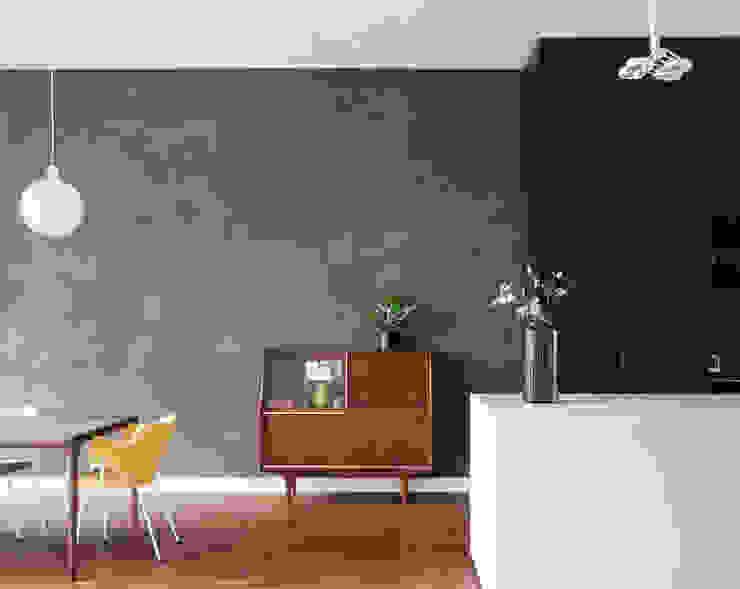 Stadsvilla Kralingen Moderne woonkamers van Architectenbureau Paul de Ruiter Modern