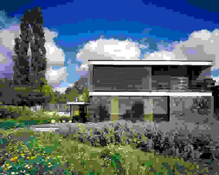 Villa Room Moderne huizen van Architectenbureau Paul de Ruiter Modern