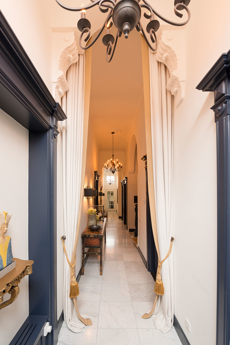 Eclectic style corridor, hallway & stairs by Atelier Denessen Architecture Eclectic