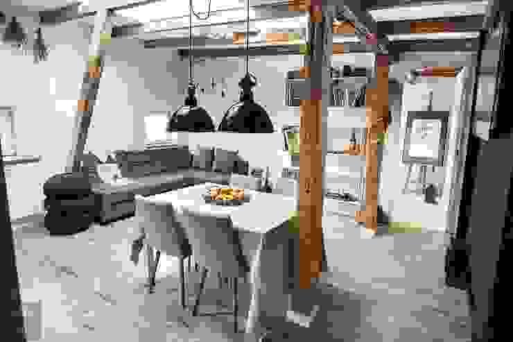 Salas de estilo escandinavo de Limonki Studio Wojciech Siudowski Escandinavo Madera Acabado en madera