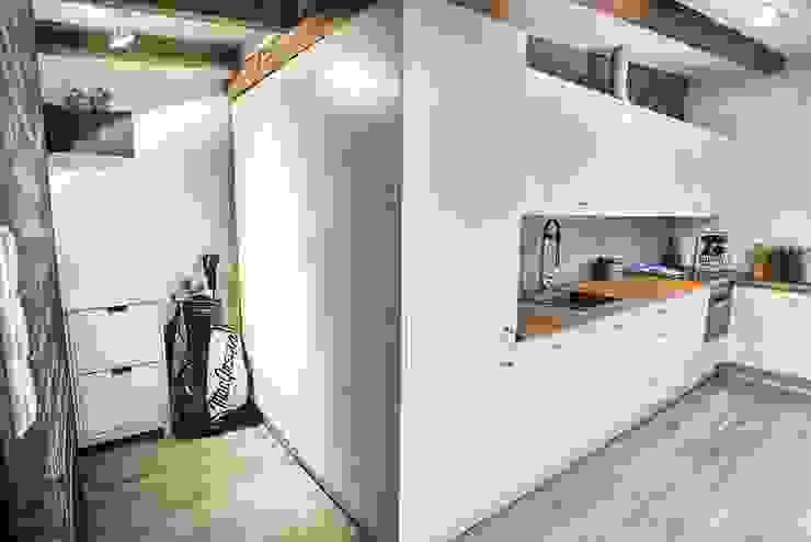 Cocinas de estilo escandinavo de Limonki Studio Wojciech Siudowski Escandinavo Madera Acabado en madera