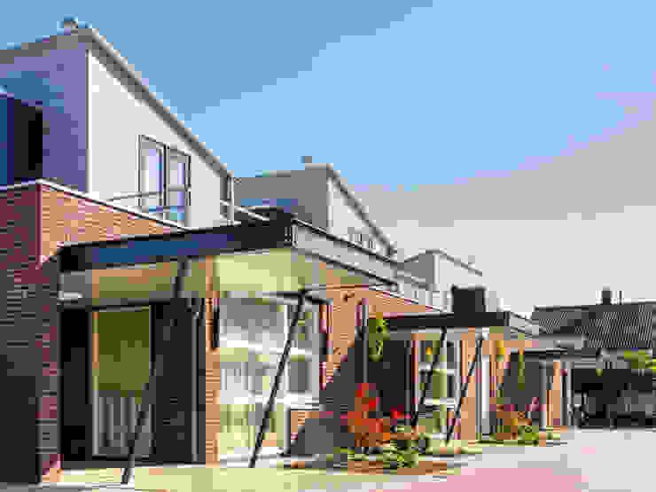 patio woningen Moderne huizen van G.L.M. van Soest Architect Modern