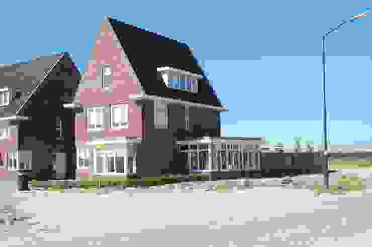 twee onder een kap woningen Klassieke huizen van G.L.M. van Soest Architect Klassiek