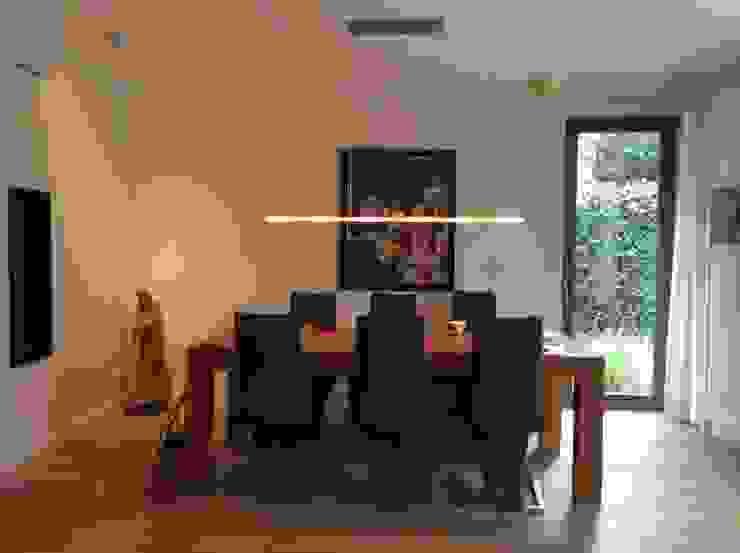 Eetplek Moderne eetkamers van Studio Inside Out Modern Hout Hout