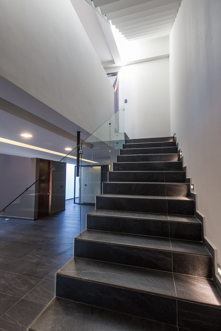 3. CASA TARE de TARE arquitectos Moderno