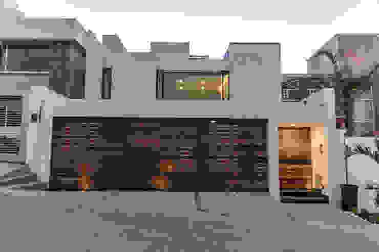 Kantor & Toko Modern Oleh TARE arquitectos Modern