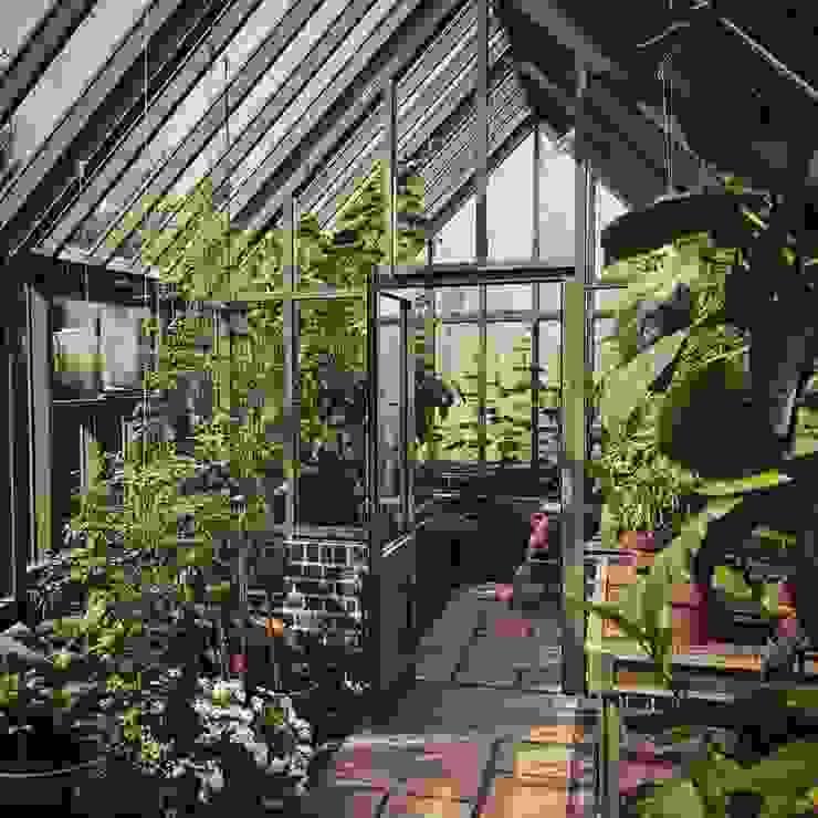 Придумали, спроектировали и построили теплицу в английском стиле. Сад в классическом стиле от СпецПаркДизайн_ Классический