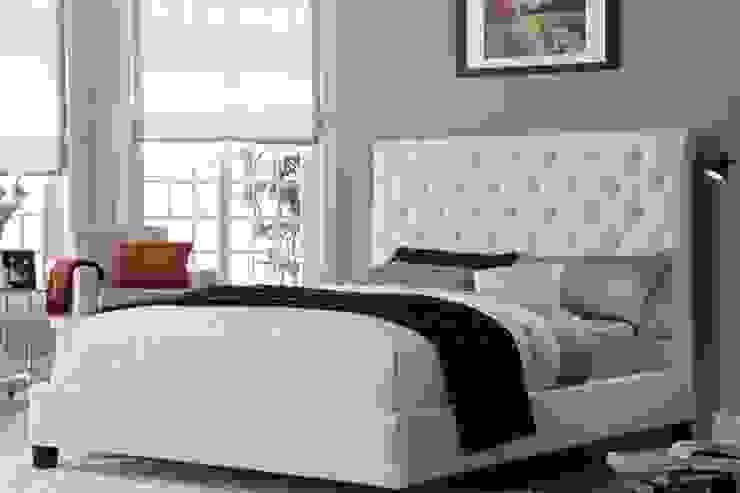 modern bedroom designed for lokhandwala kandivali: modern  by My Interior Decor,Modern Fake Leather Metallic/Silver