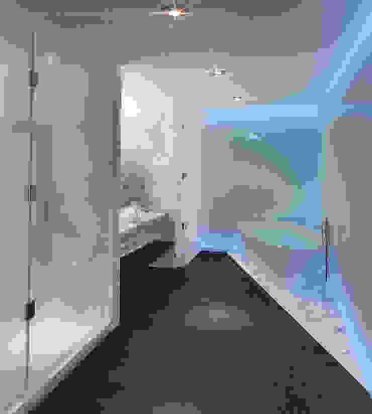 10.- BOSQUE REAL Moderne Badezimmer von TARE arquitectos Modern