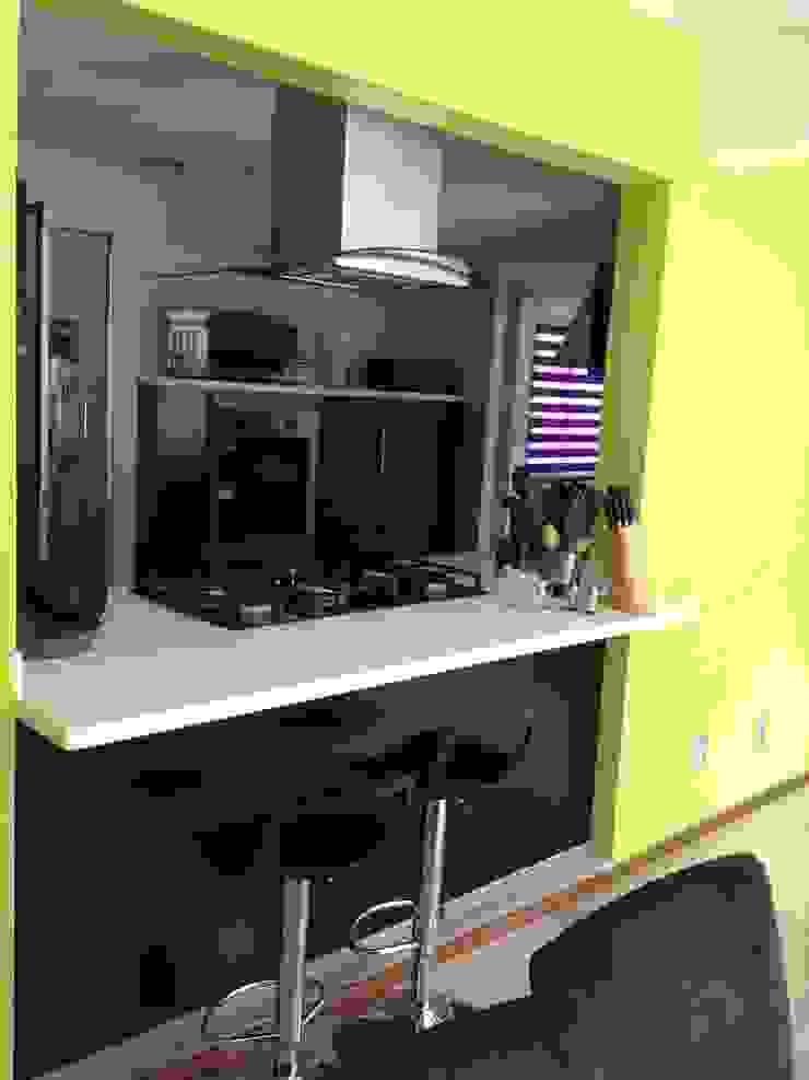 12. DEPARTAMENTO COYOACAN Cocinas modernas de TARE arquitectos Moderno
