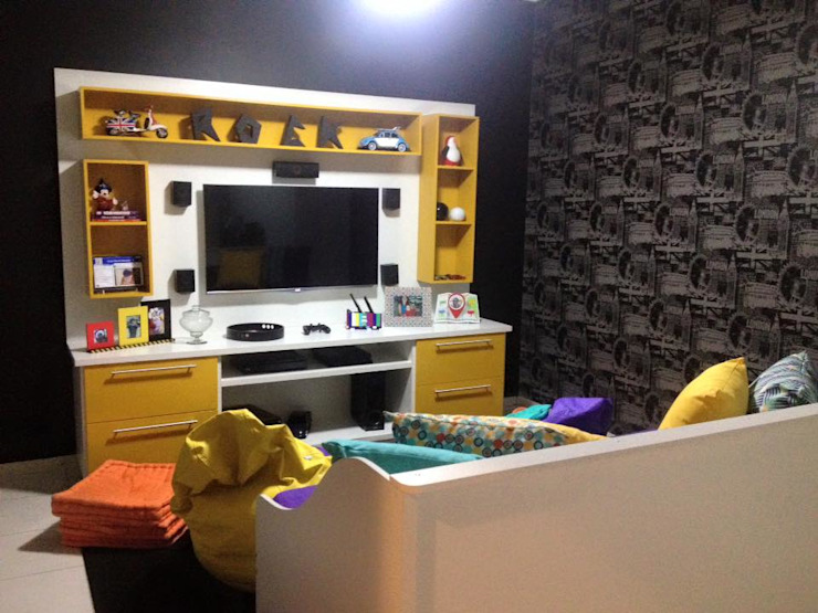 غرفة الميديا تنفيذ Amanda Matarazzo Interiores