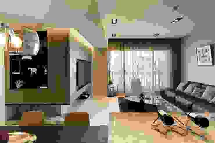 作品十號德鑫v1 现代客厅設計點子、靈感 & 圖片 根據 沐設計 現代風