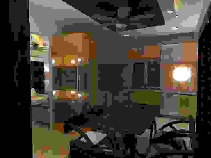 Deb Villa Modern dining room by Gurooji Designs Modern
