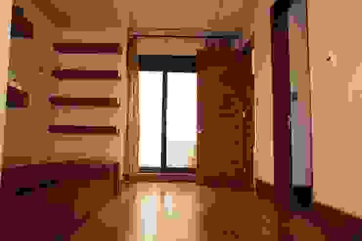 Nook Dormitorios modernos de Toyka Arquitectura Moderno Madera Acabado en madera