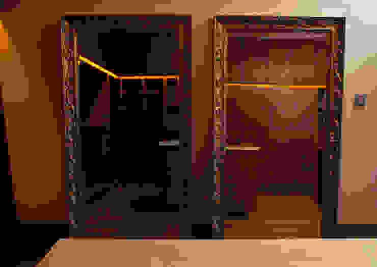Closet Principal Vestidores modernos de Toyka Arquitectura Moderno Madera Acabado en madera