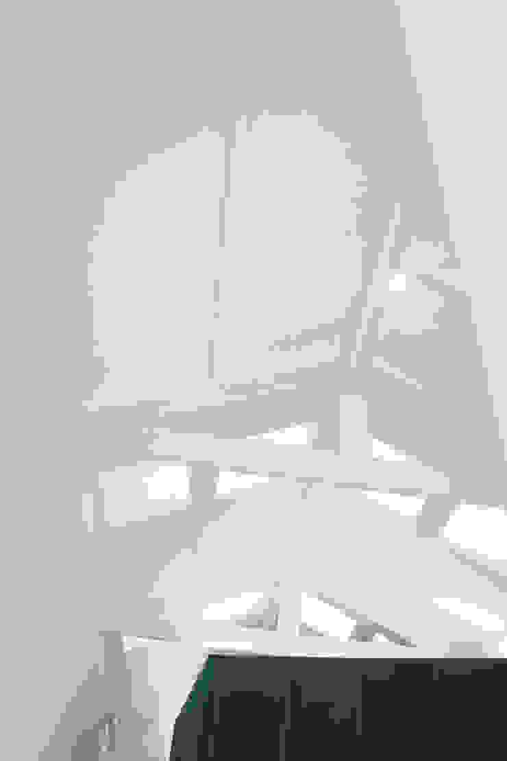 Casa do Justiçado GRAU.ZERO Arquitectura Telhados de duas águas