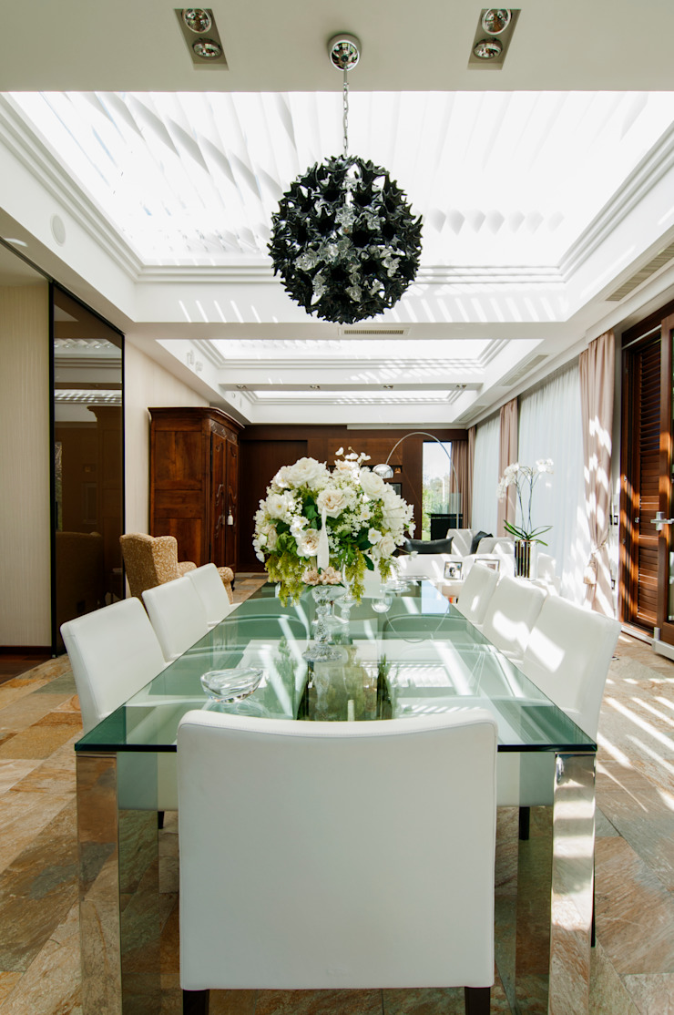 Modern dining room by DORIArchitetti Modern