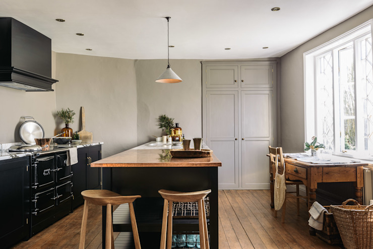 The Mill House Showroom by deVOL: rustic  by deVOL Kitchens, Rustic Wood Wood effect