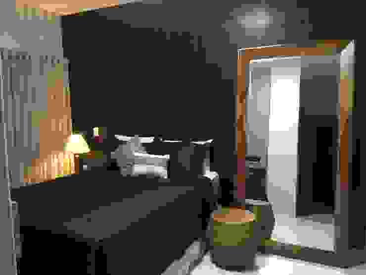 Dormitorios de estilo moderno de TRES MAIS arquitetura Moderno