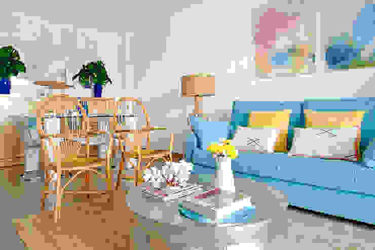 Casa de playa. Alicante Salones de estilo mediterráneo de itta estudio Mediterráneo