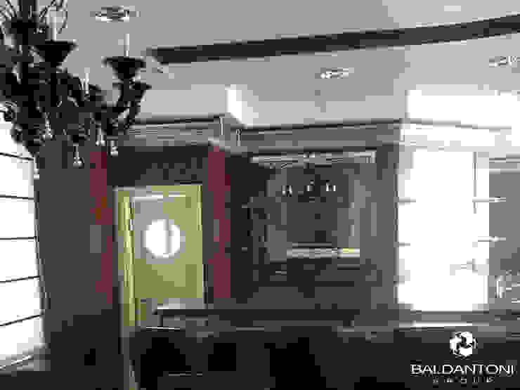 Restaurant Cafè Aviomotornaya, Mosca, Russia Sala da pranzo moderna di Baldantoni Group Moderno Legno Effetto legno