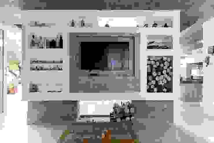 Casa Rio das Contas 151 office Arquitetura LTDA Salas de estar modernas