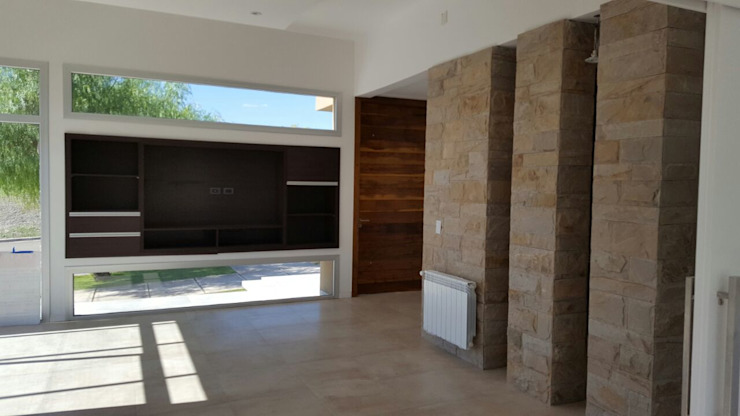 Ruang Keluarga oleh MABEL ABASOLO ARQUITECTURA, Minimalis