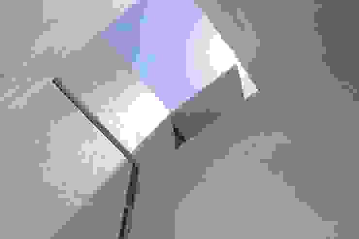 Diseño de Tagle Arquitectos Minimalista