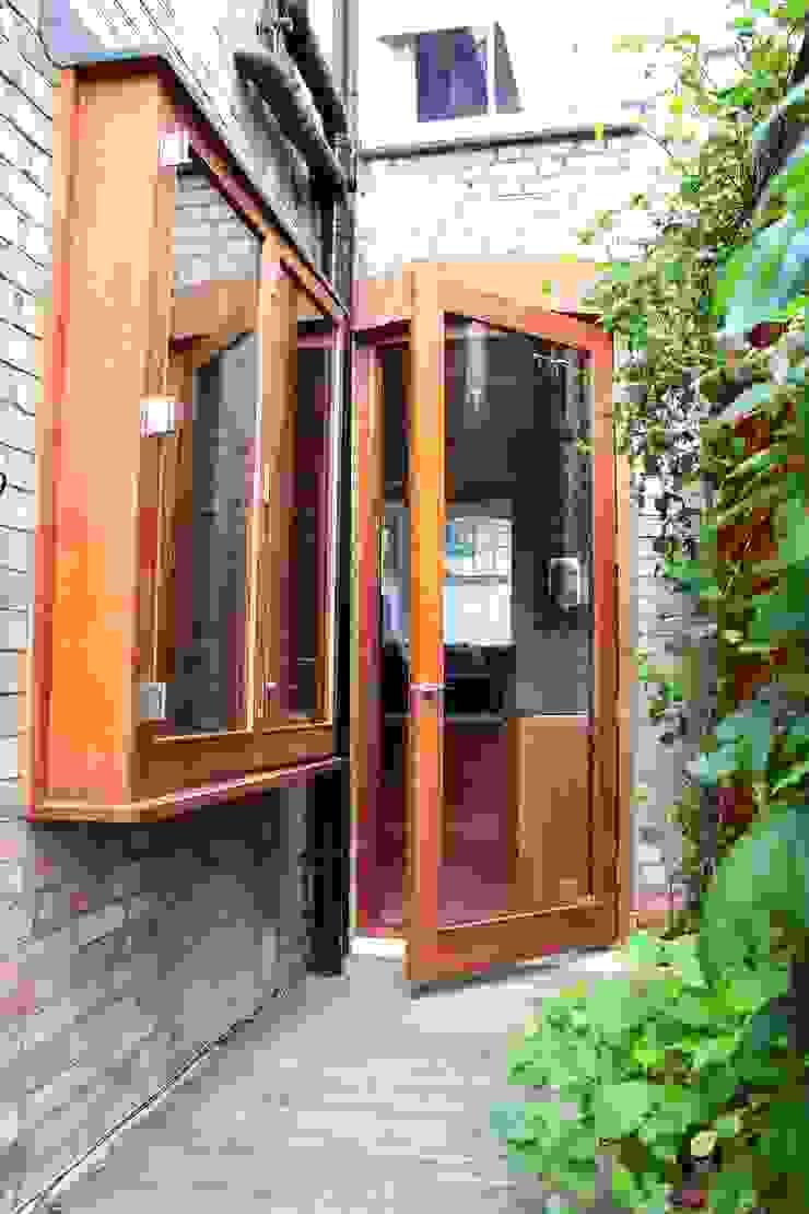 Oriel window Modern Houses by A2studio Modern