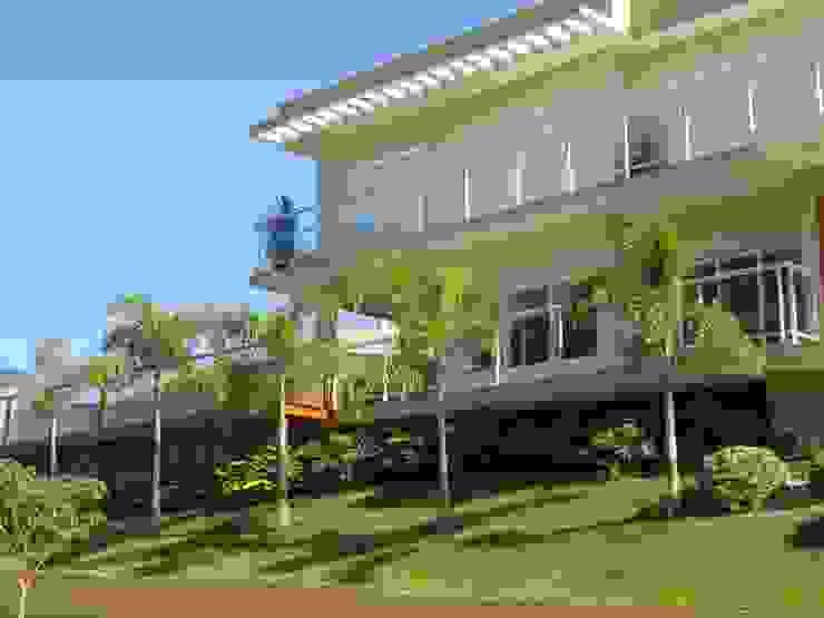 Residência triangulo : Casas  por Barbara Oriani Arquiteta,Moderno Concreto