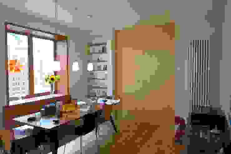 Sliding Door A2studio Modern dining room
