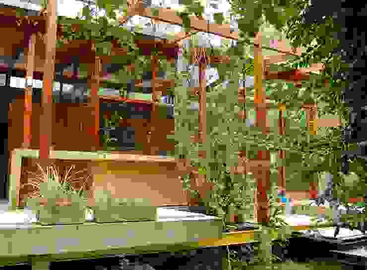 Casas de estilo  por Guadalupe Larrain arquitecta, Industrial