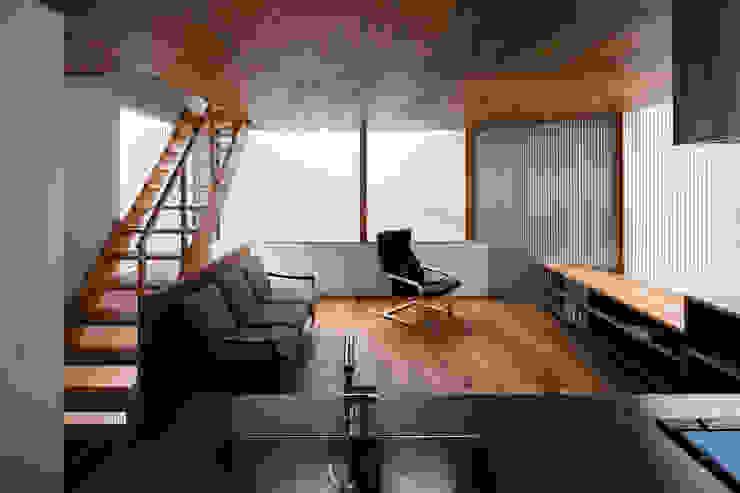 Living room by 建築設計事務所SAI工房
