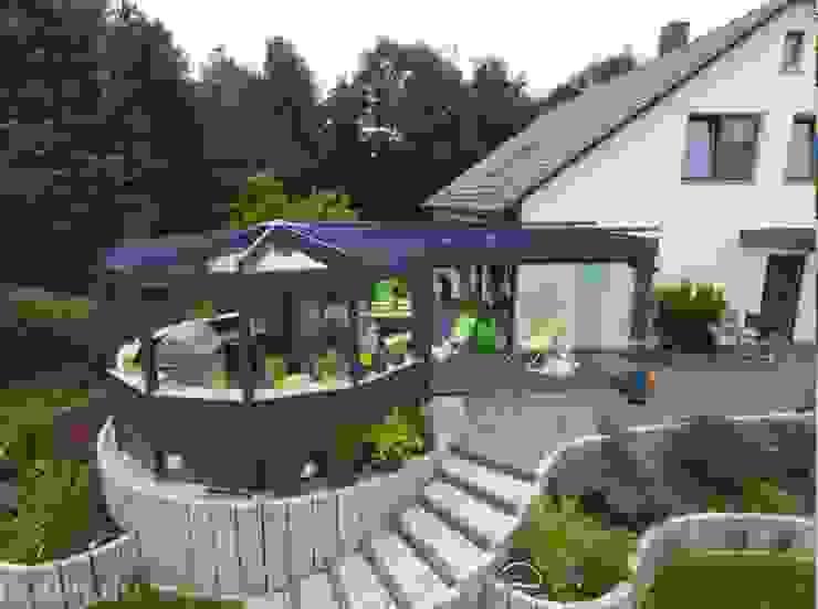 Balcones y terrazas modernos de Bodin Pflanzliche Raumgestaltung GmbH Moderno