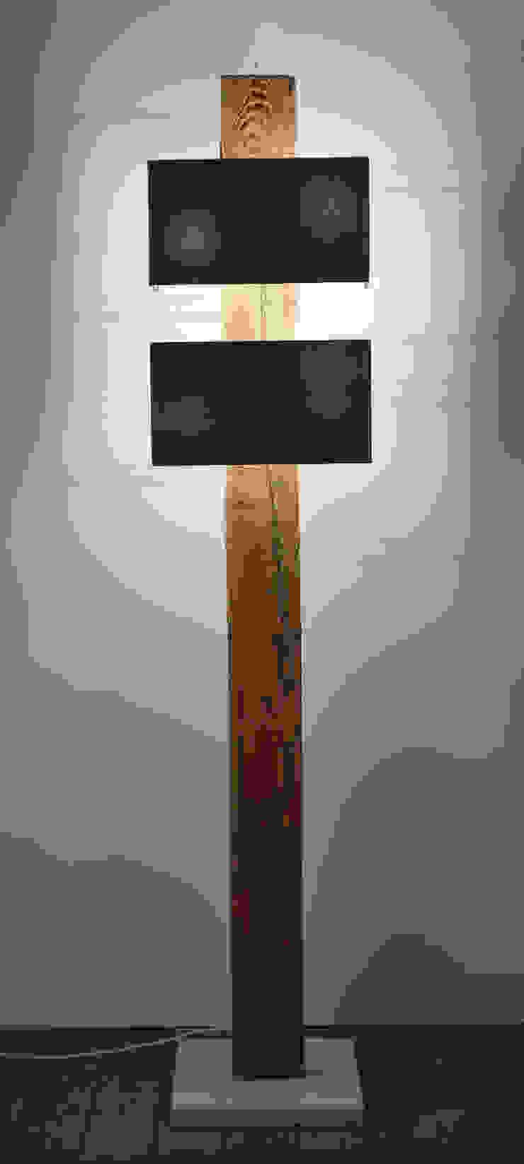 Stehlampe Aus Rustikalen Holzbalken By Meister Lampe Homify