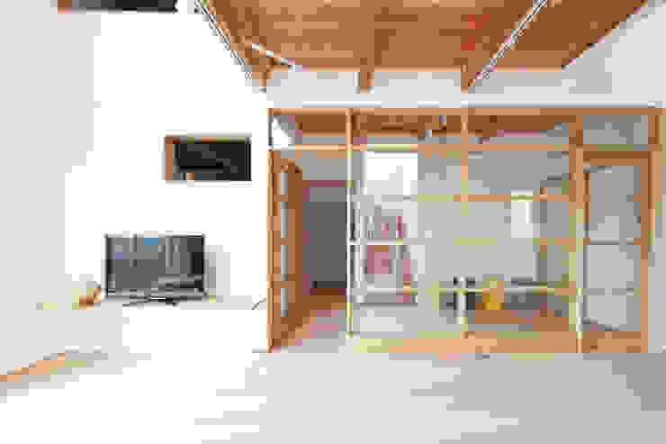 合同会社negla設計室 Scandinavian style living room Glass Wood effect