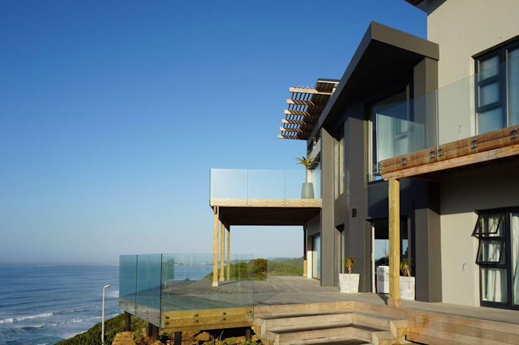 Brenton House detail view of entrance Modern houses by Sergio Nunes Architects Modern Solid Wood Multicolored