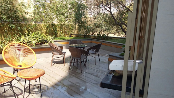 ​2nd floor terrace garden by Land Design landscape architects
