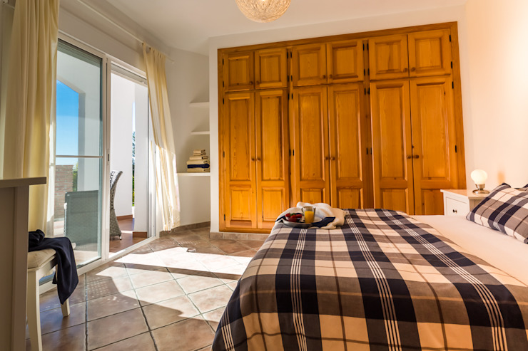Kamar Tidur Gaya Mediteran Oleh Home & Haus | Home Staging & Fotografía Mediteran