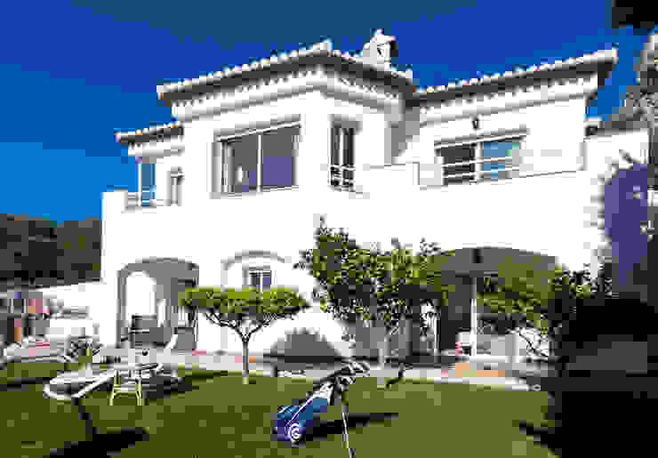 Jardín trasero Jardines mediterráneos de Home & Haus | Home Staging & Fotografía Mediterráneo