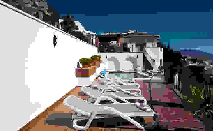 Piscina Piscinas de estilo mediterráneo de Home & Haus | Home Staging & Fotografía Mediterráneo