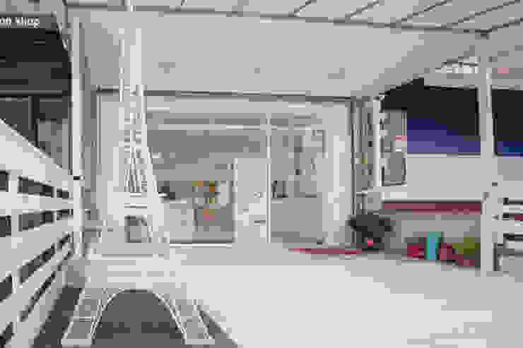 純白經典歐式 根據 簡式建築室內設計 北歐風 合板