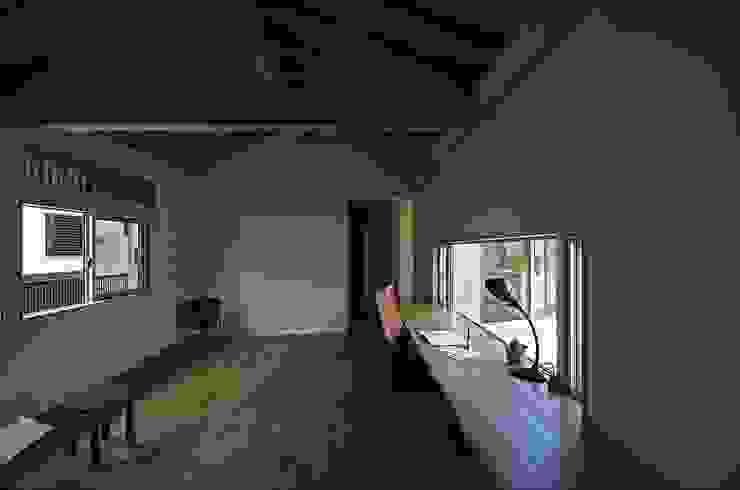 岡本和樹建築設計事務所 ห้องทำงาน/อ่านหนังสือ