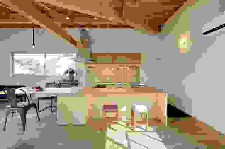 Dapur Modern Oleh 岡本和樹建築設計事務所 Modern