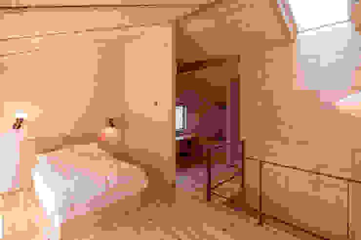 下荒田の家 北欧デザインの 多目的室 の トラス・アーキテクト株式会社 北欧