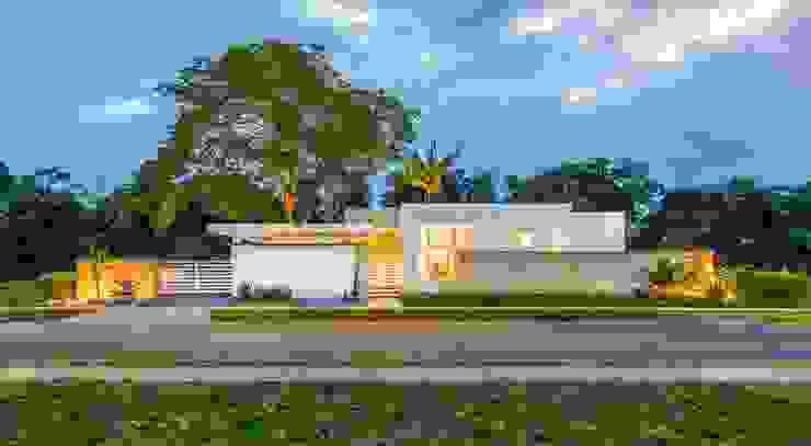 Casa de la Acacia - Sombra Natural: Casas de estilo  por David Macias Arquitectura & Urbanismo,