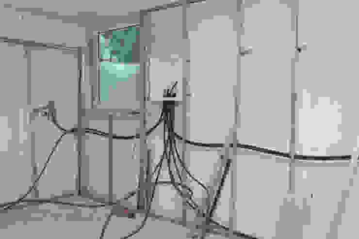 Electricidade, Ar condicionado, Rede por ORCHIDS LOFT